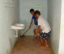 Keeping clean, washing toilets