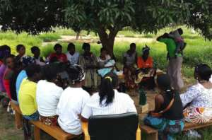 1000 Days listener group in Chongwe, Zambia