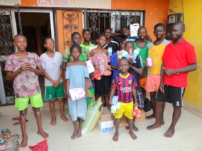 The Aliyou family's visit and donation