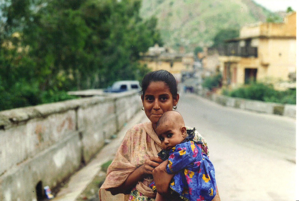 Help save 3000 underprivileged Mothers & Children