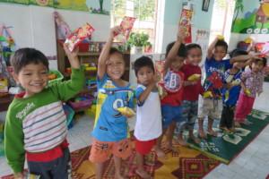 Sun Flower Kindergarteners celebrating Tet