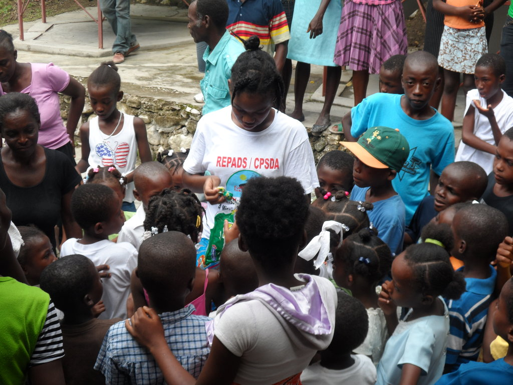 Access to school to 200 orphan children in Haiti