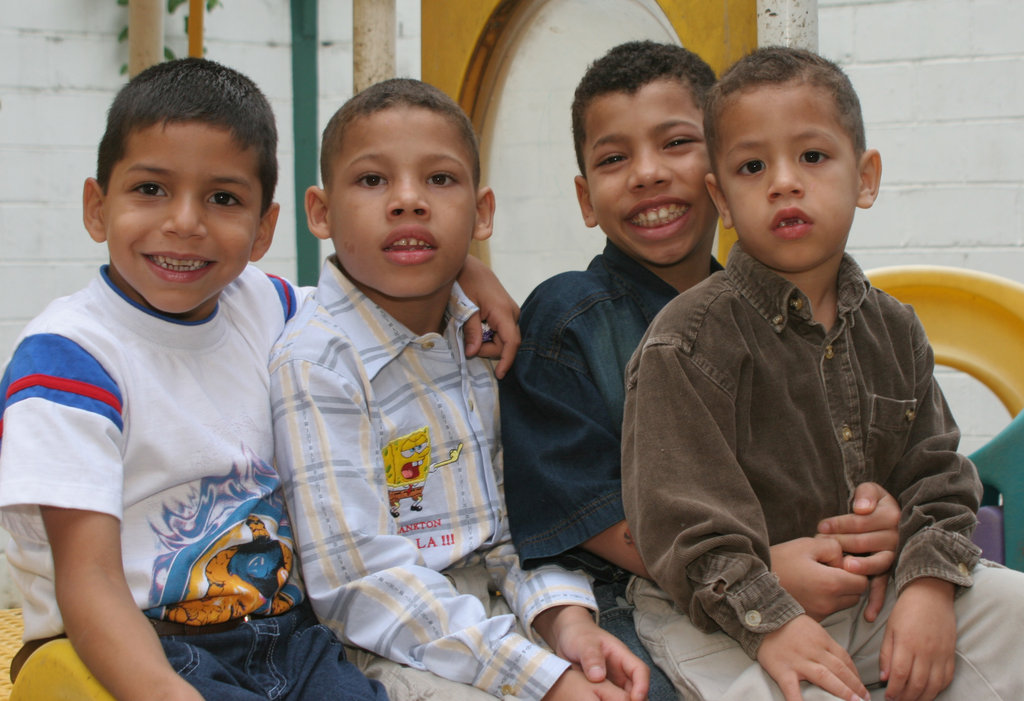 Integral Care for 120 Children and Youth, Caracas