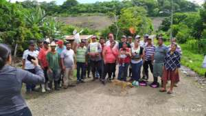 Proud farmers in the El Juste community