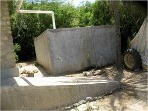A similar cistern