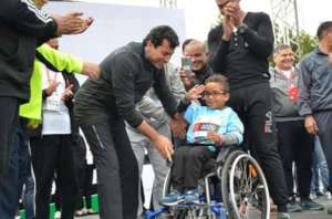 Mo as the Youngest Contestant in a Marathon!