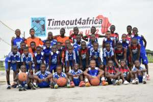 Group picture of the kids and staff