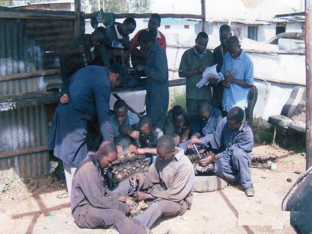 VOCATIONAL SKILLS FOR 200 SLUM YOUTHS KENYA