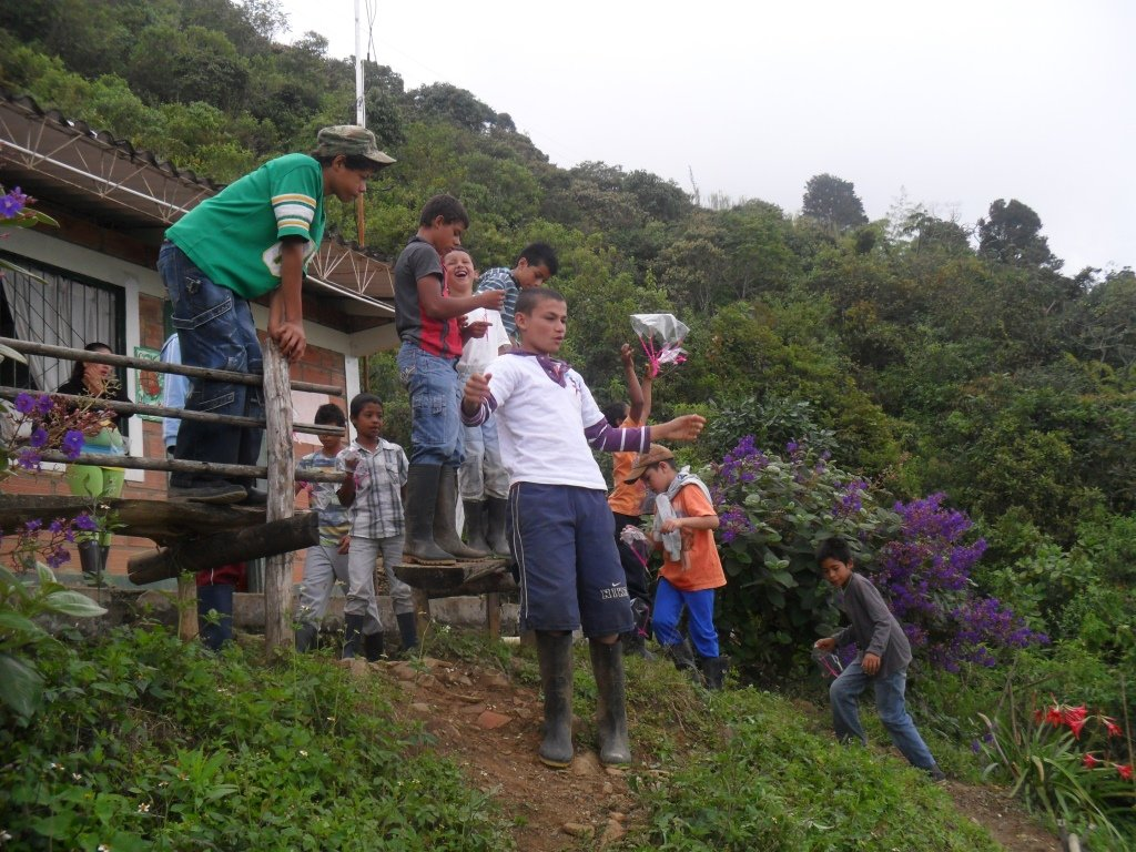 1380 children research on rurality of Colombia