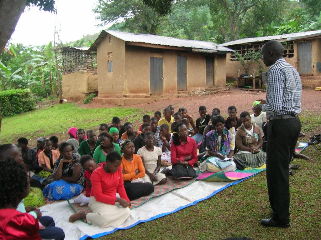 Make 25 kids enjoy this Christmas in Uganda