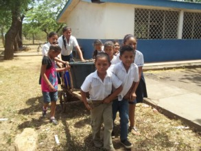 La Chilama students hauling water