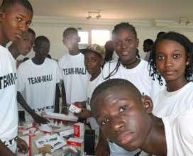 TEAM MALI High School Building their Robot