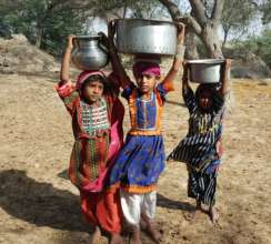 Children colleting water for drinking purposres