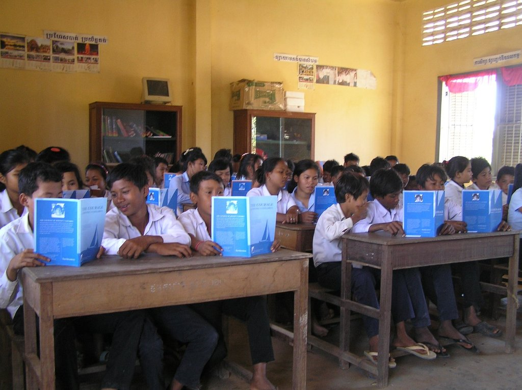Supply 500 Books to Courageous Students