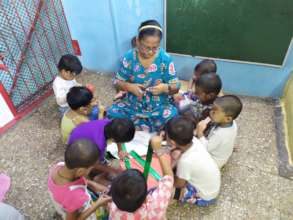 Art and craft activity with Umang beneficiaries