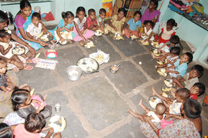 poor kids in daycare centers having food