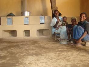 famiglia beneficiaria forni ecologici Eritrea2