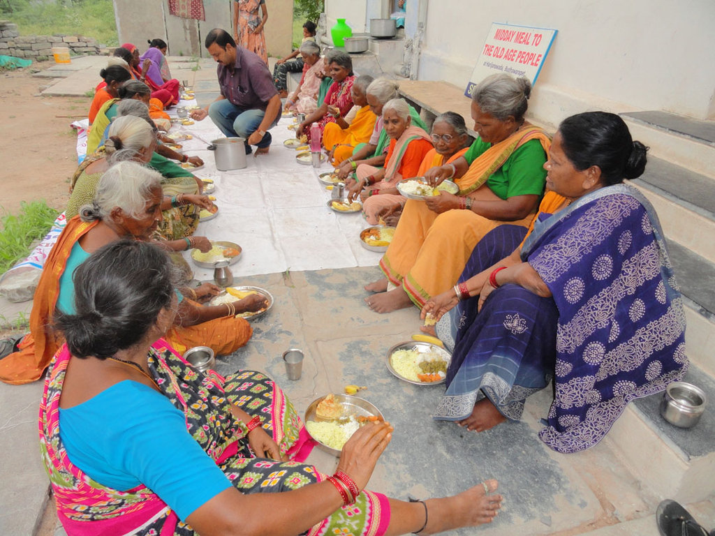 Donate Food for Destitute Old Aged Person in India