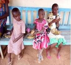Children enjoy 'chapati' at the Centre