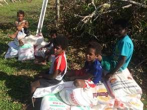 Food distribution on Tongoa