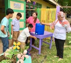 washing hands at school in Muslim Sulu Province