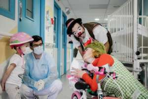 Soleil Rouge Clowns in Oncologic care service