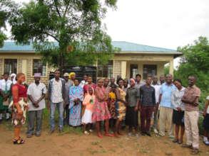 Community members, teachers & alumni give support