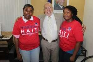 Minister of MHAV congratulates Vision for Haiti