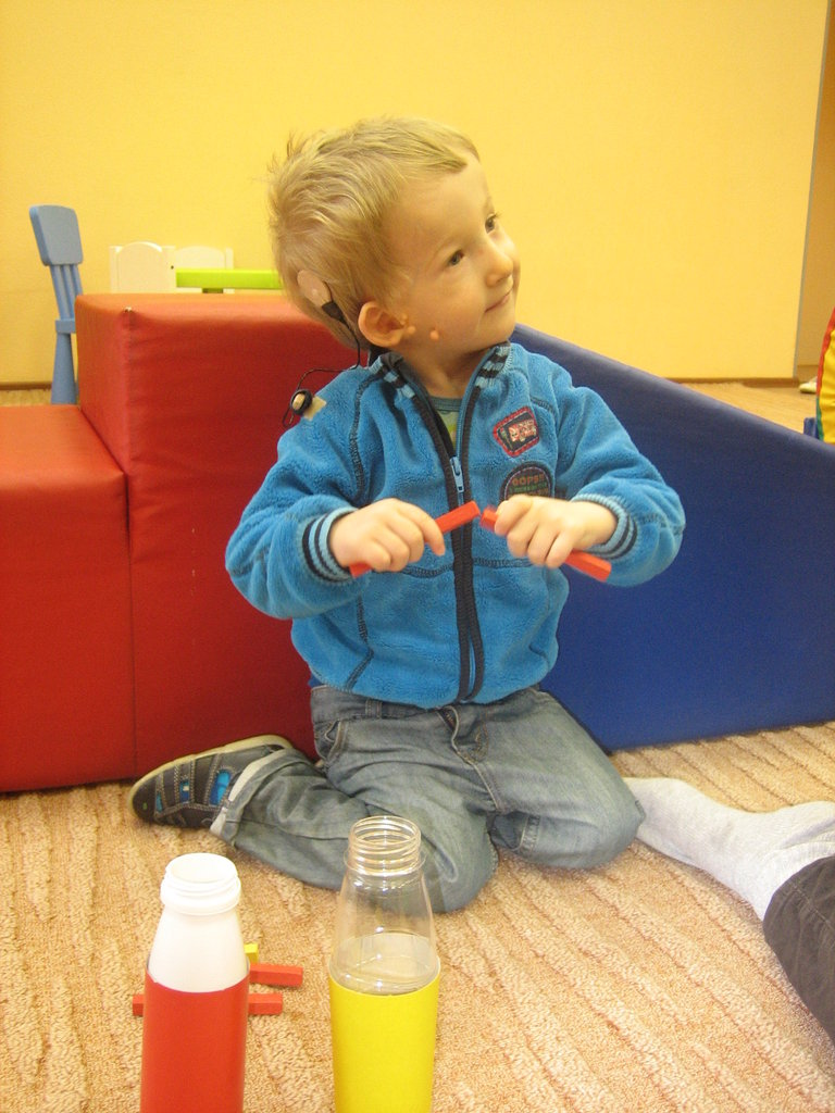 Help 30 Russian kids with hearing loss communicate