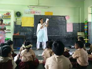 Teach For India Chennai Fellow teaching her class