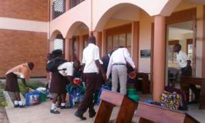 NVSS Students collecting their school supplies