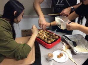 US students making takoyaki in class