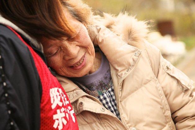 Earthquake;Encouraging Miyagi by a community space