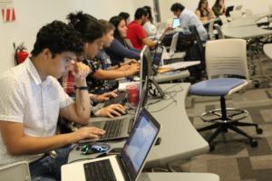 Hackathon #DestinoSeguro participants