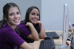 Learning to code with MenTe en Accion