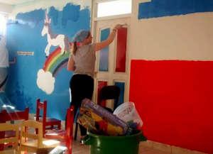 Durham Uni volunteers decorating the Kindergarten