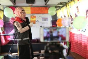 Recording a remote lesson at a mobile classroom