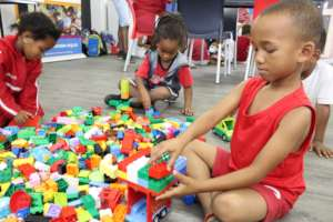 Building towers on wheels with Lego Duplo