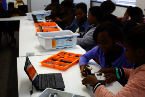 Building 5-minute bots with Mindstorms NXT