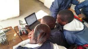 Matshaya training Thandi and another pupil