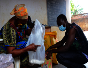 Food distribution to MindLeaps Guinea families