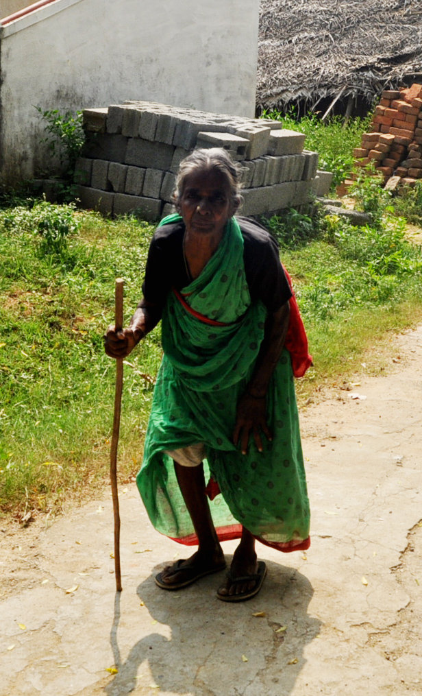 Help neglected elders food, medicine & clothing