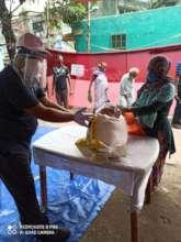 Distributing food parcels