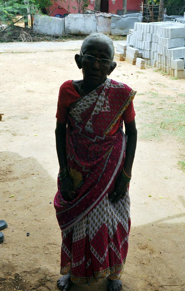 Help to provide monthly groceries to poor oldwomen