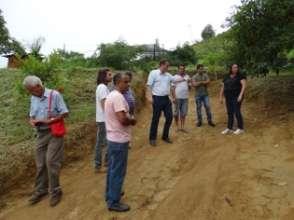 Municipalitys group checking Lurdinhas farm