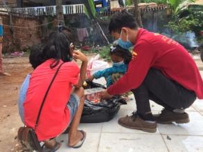 Distributing food supplies