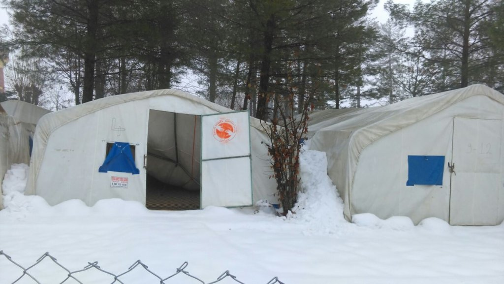 COLD TEMPS. to WARM HANDS - REFUGEE WINTER AID