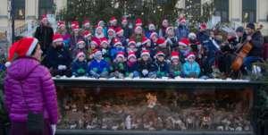 Our Christmas choir at Schloss Schoenbrunn