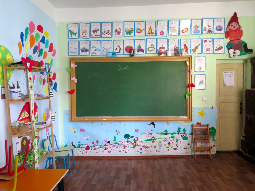 Education for 50 disadvantaged Romanian children