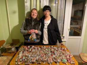 Gingebread gifts for IDP families